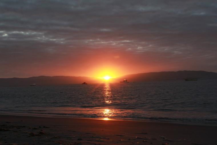 Puesta de sol en Paracas