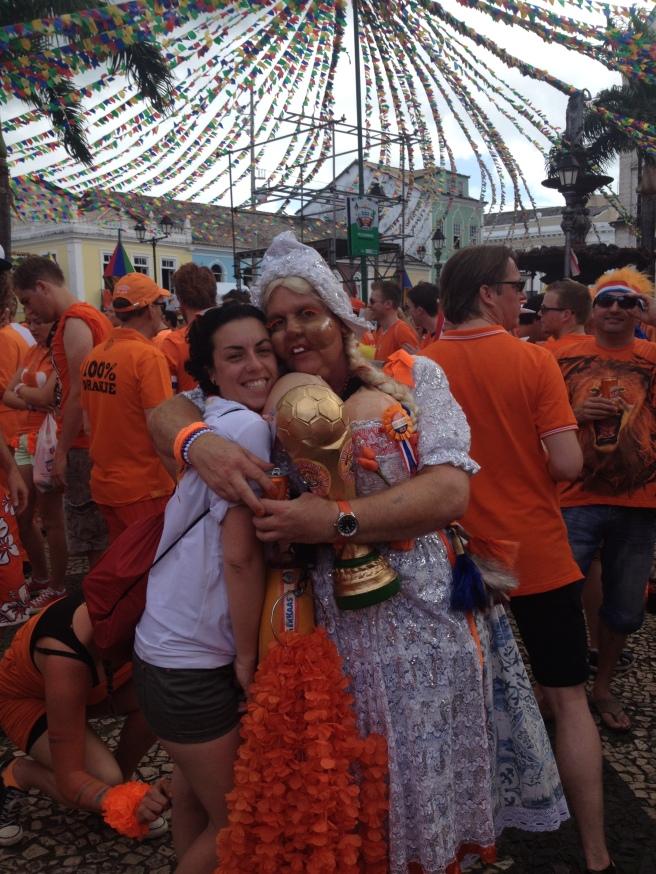 Isa con una tirolesa holandesa