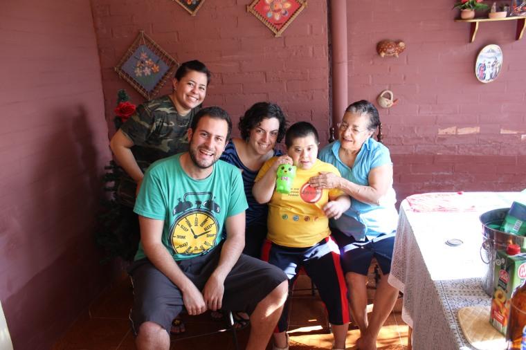 Familia paraguaya (Falta Ever).