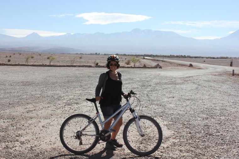 Camino en bici al Valle de la Luna