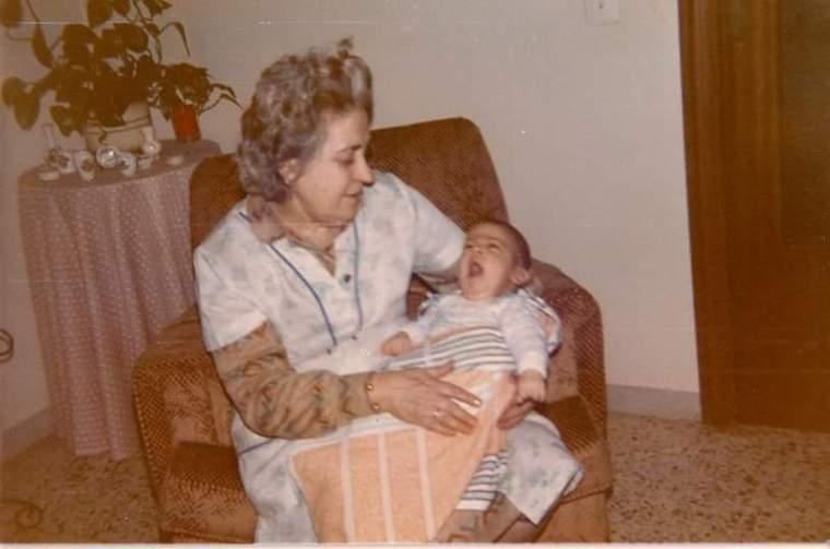 Araceli y Manu recién nacido