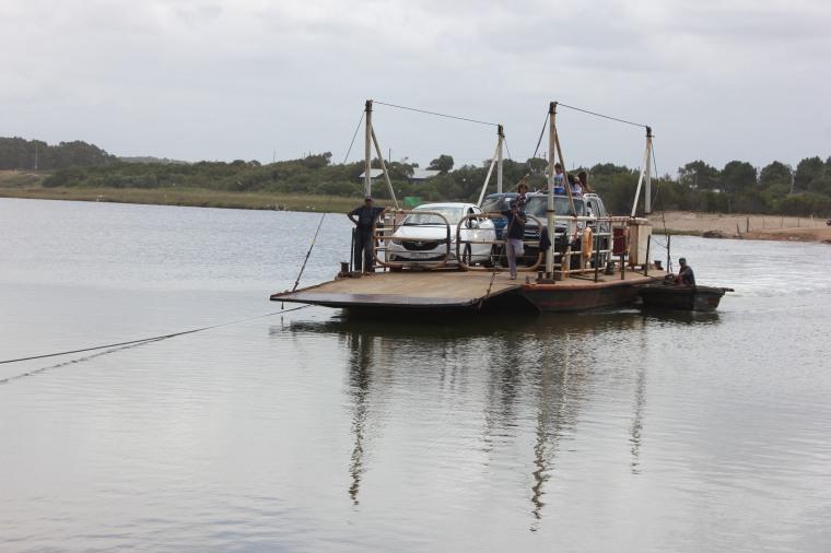 Cruce de Balsa Laguna Garzón