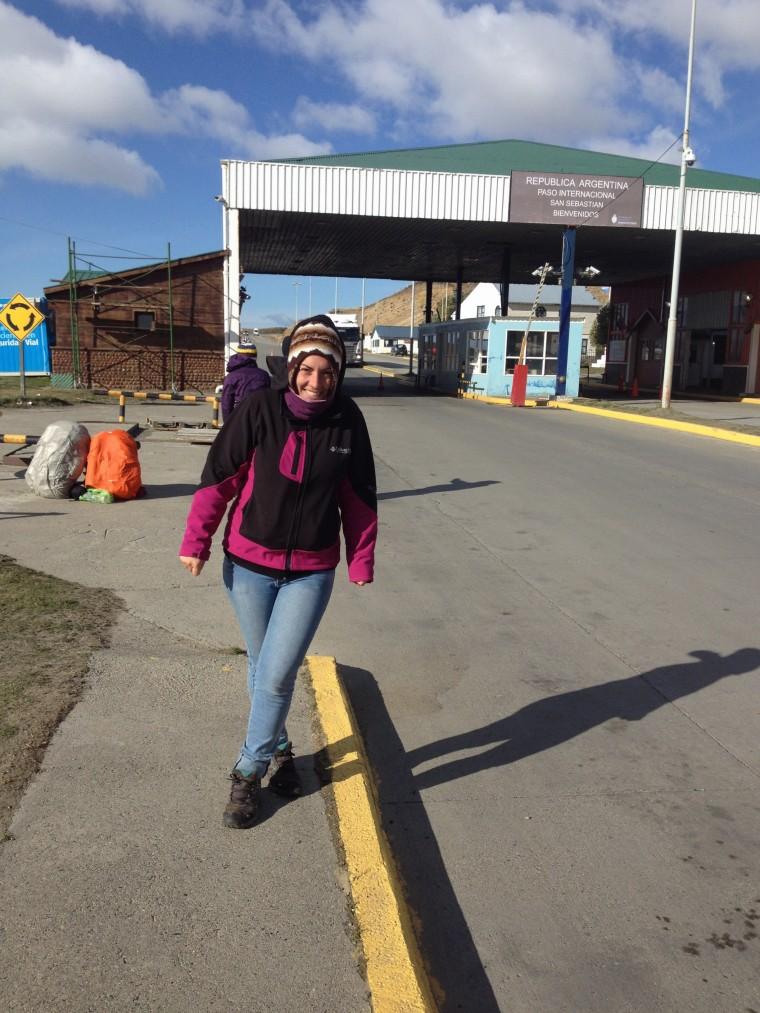 Haciendo dedo en la frontera