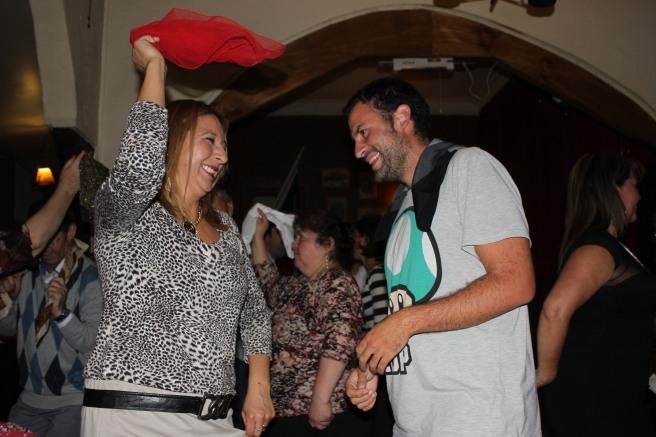 Manu bailando Cueca