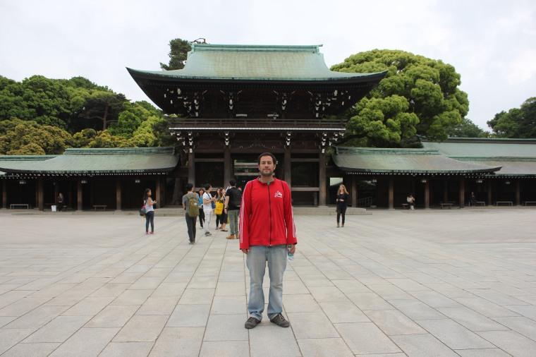 Manu en el templo