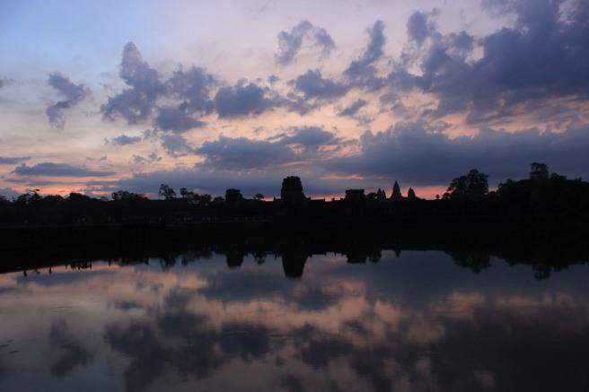 Amanecer en Angkor Wat I