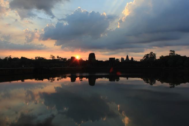 Amanecer en Angkor Wat II